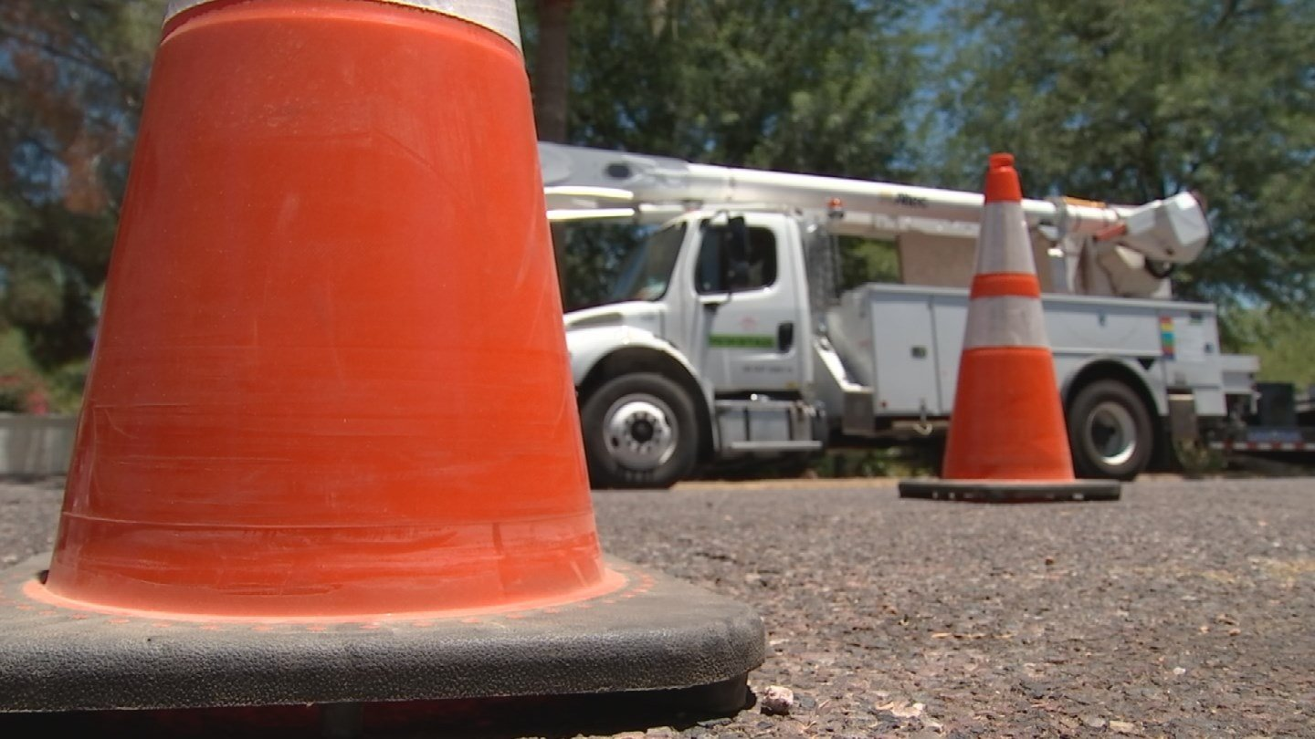 APS has crewsdoing needed repairs now, so there won't be any issues with equipment when they're most needed. (Source: 3TV/CBS 5)