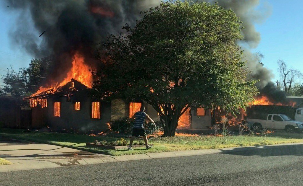 Fire engulfs a home at 42nd Street and Mulberry Dr.  (16 June 2017) [Source: Phoenix Fire Department]