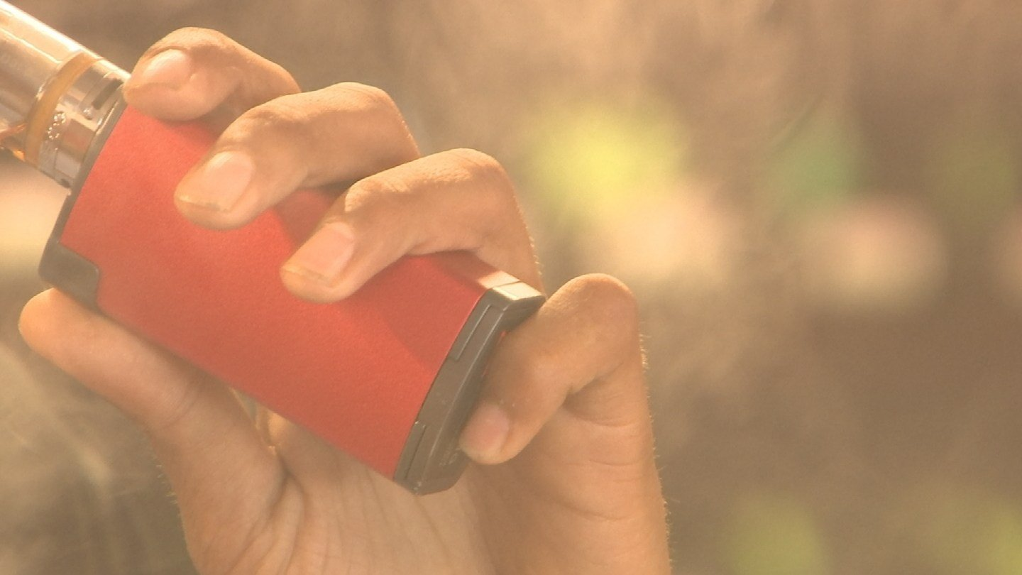 Security system experts are now warning the publicthat e-cigarettes can be modified to hack someone's computer. (Source: 3TV/CBS 5)