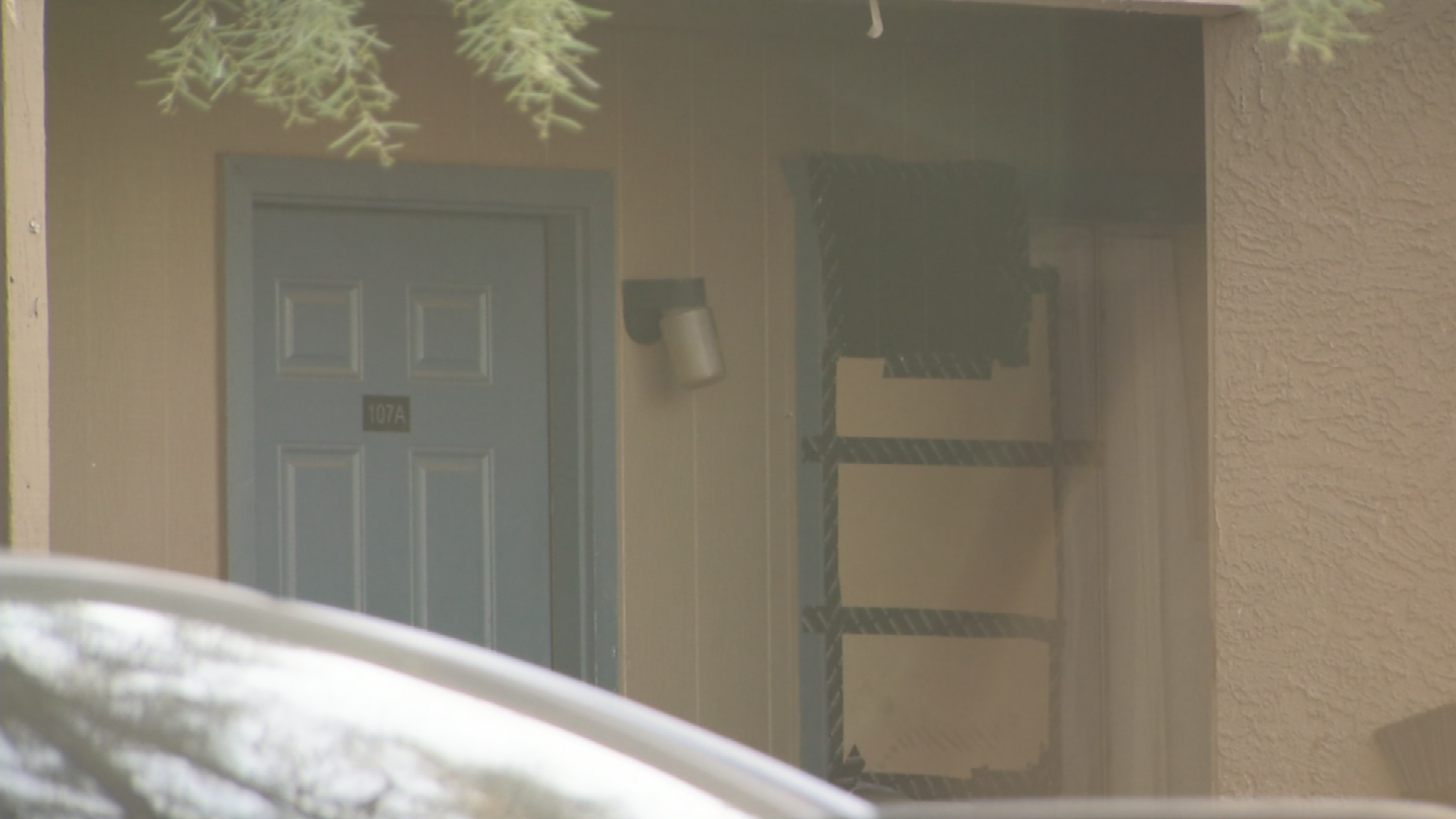 Arizona law says a landlord is required to get the air conditioning fixed within 48 hours. (Source: 3TV/CBS 5)