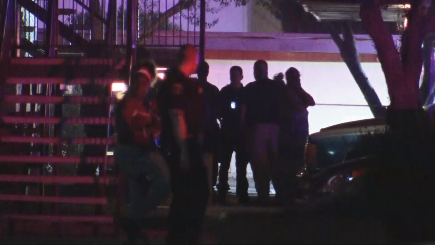 A woman was found dead in an apartment after a fire in Glendale. (Source: 3TV/CBS 5)