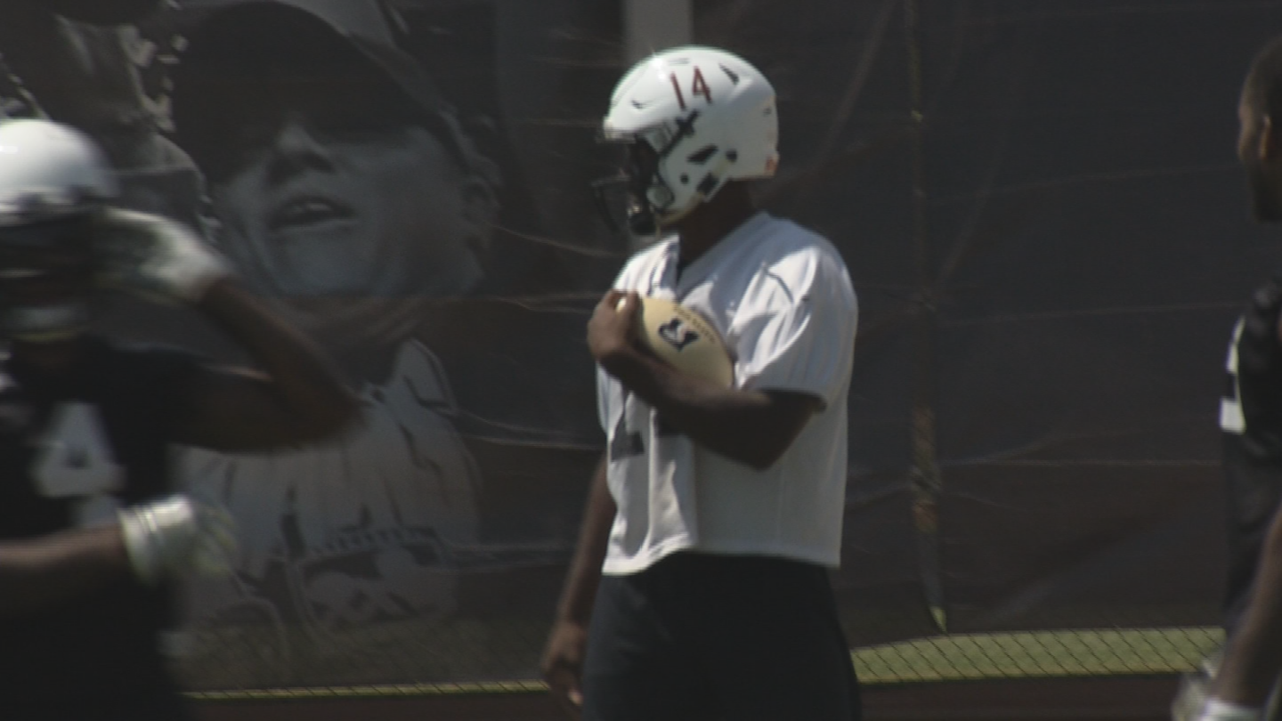 Arizona Rattlers' rookie running back Darrell Monroe was able to get another chance at football thanks to social media. (Source: 3TV/CBS 5)