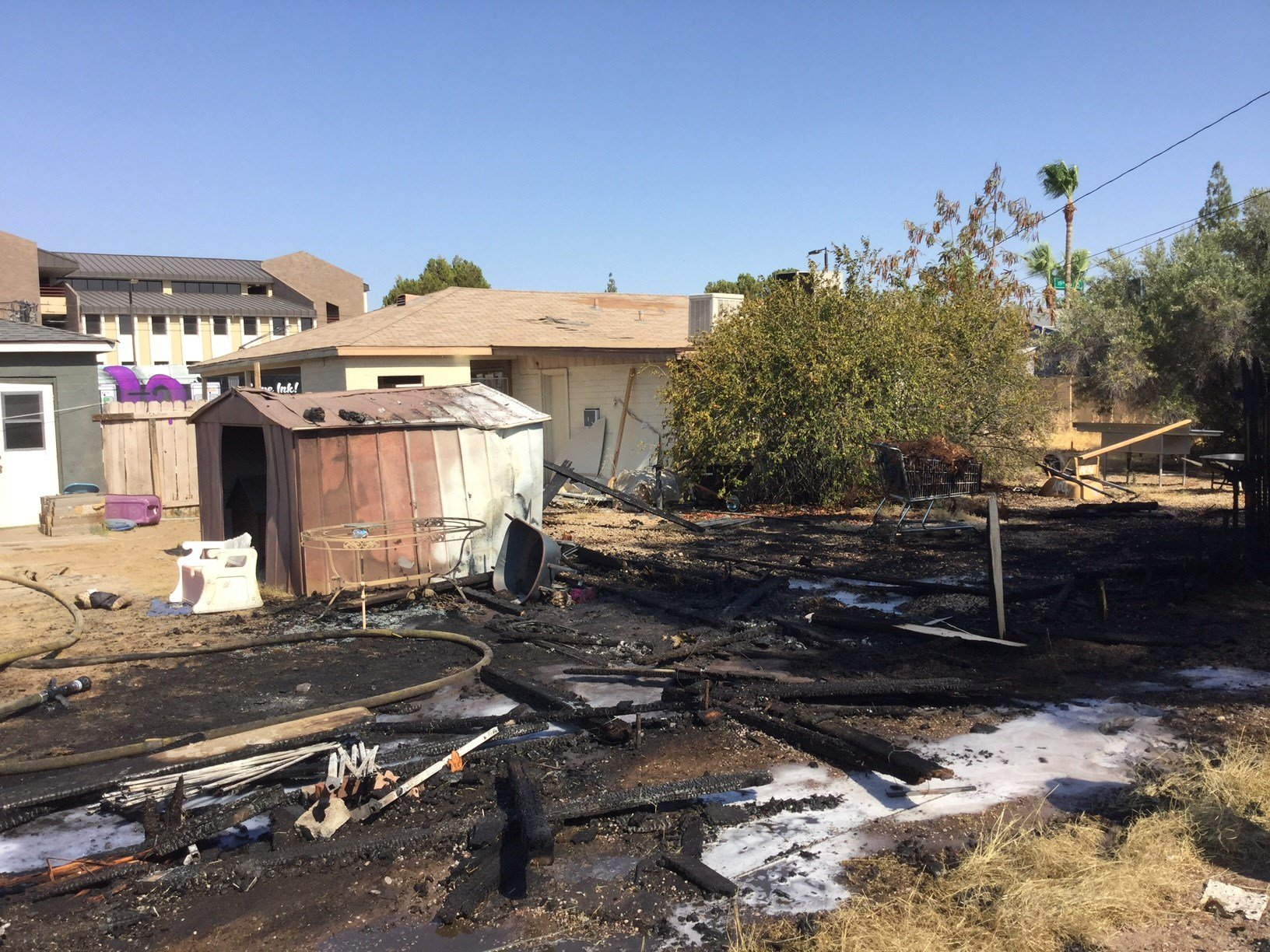 Damage from a fence fire in Phoenix Saturday. (24 June 2017) [Source: 3TV/CBS5]