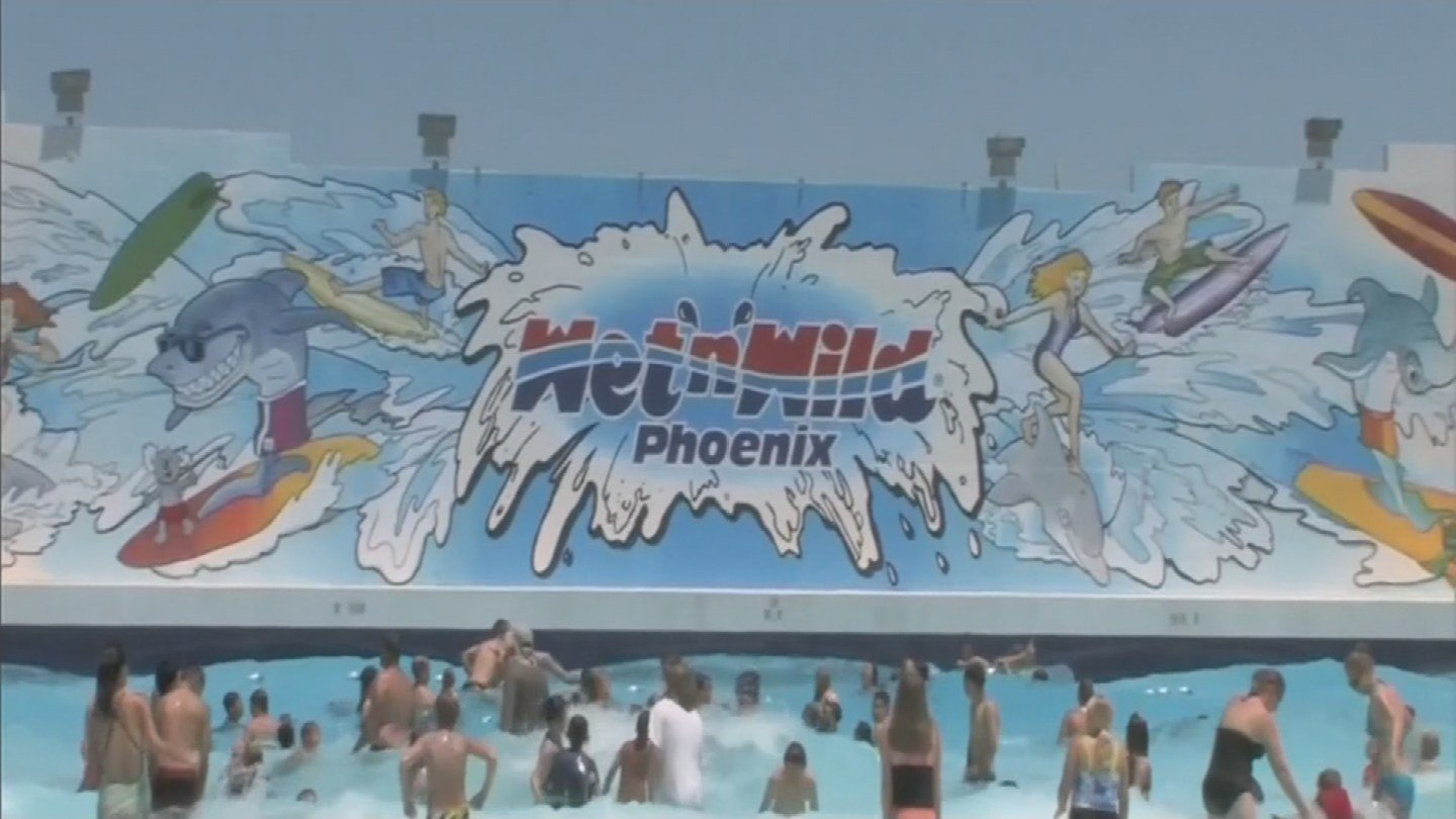 Wet 'n' Wild Phoenix  (Source: 3TV/ CBS 5)