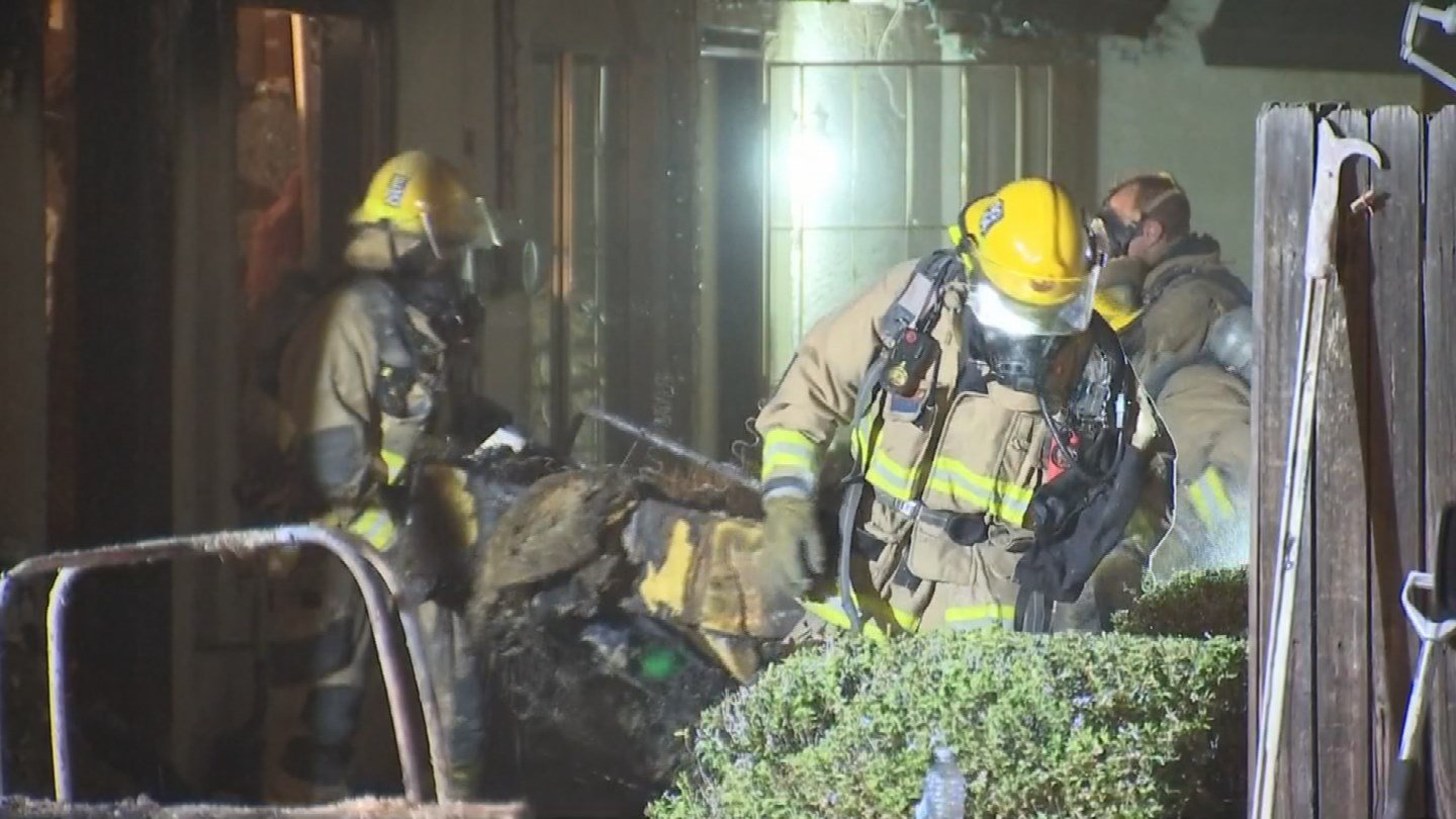 A family of six are safe after their Phoenix apartment caught on fire early Wednesday morning. (Source: 3TV/CBS 5)