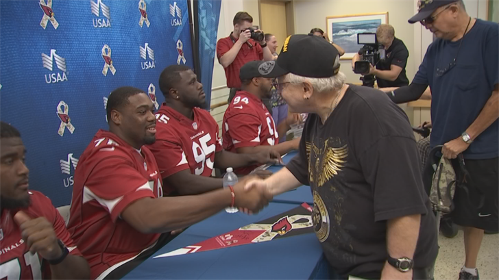 A few Arizona Cardinals players surprised those at the Phoenix VA hospital. (Source: 3TV/CBS 5)
