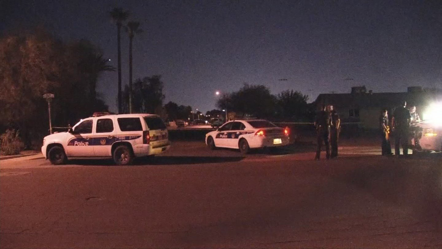 A man was found dead in a Phoenix street after being shot Thursday morning. (Source: 3TV/CBS 5)