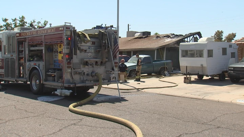 Fire crews at a home along 6500 west Catalina Drive, Phoenix. (2 July 2017) [Source: 3TV/CBS 5]