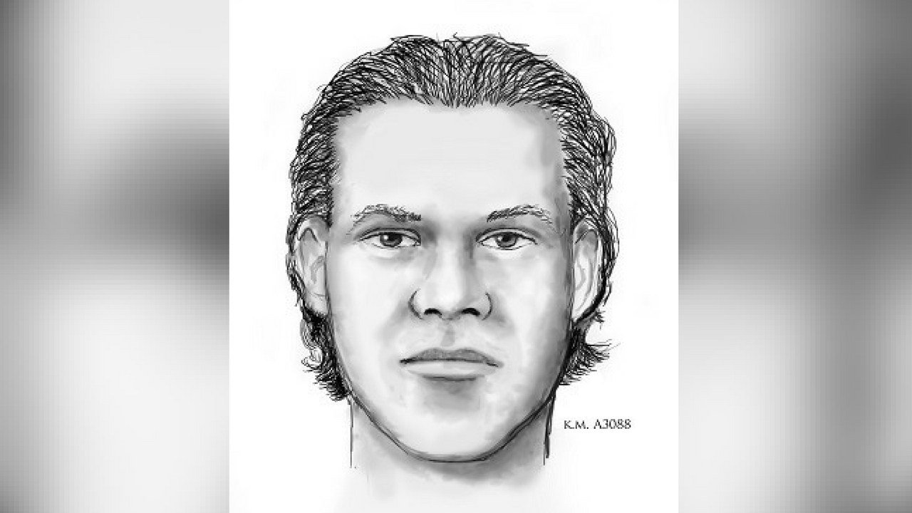 Police say if anyone recognizes this suspect, they are urged the public to call Silent Witness. (Source: Phoenix Police Department)