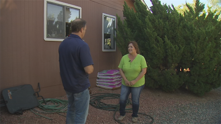 Emilia Boak remembers one of her neighbors saying he received an alert on his cell phone that their Prescott County Club neighborhood had an evacuation order. (Source: CBS 5)