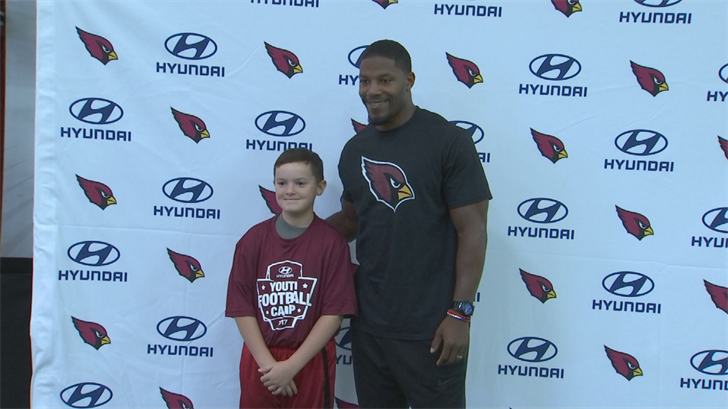 Cardinals All-Pro running back David Johnson held a youth clinic for kids. (Source: 3TV/CBS 5)