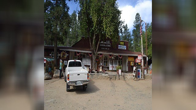 Crown King General Store. (7 July 2017) [Source: E. Zotcavage]
