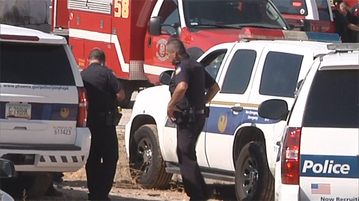 Phoenix Police at the scene. (Source: 3TV/ CBS 5)