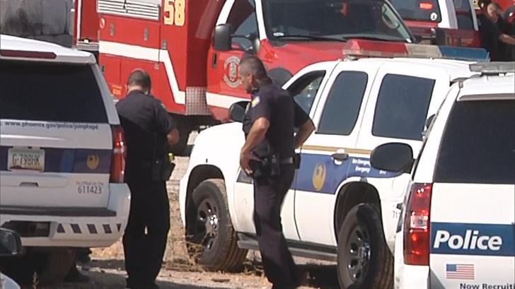 Phoenix Police at the scene. (Source: 3TV/ CBS 5)