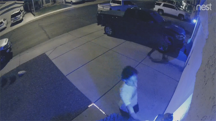 Kids were spotted on surveillance camera stealing a blue light from a Chandler couple. (Source: 3TV/CBS 5)