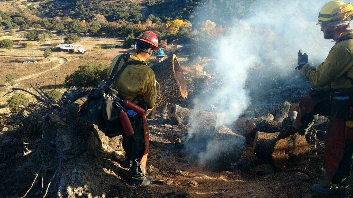 For the past 25 years, the state has been using non-violent, low-level inmates to fight wildfires, as part of its inmate fire crew program. (Source: Arizona Department of Forestry and Fire Management)