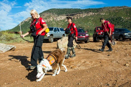 Volunteer rescuers from Navajo County begin searching for a missing 27-year-old man in Tonto National Forest, Ariz., Monday, July 17, 2017. (Source: Angie Want, AP)