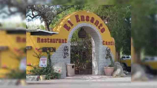 El Encanto in Cave Creek, Arizona (Source: signsofarizona.com)