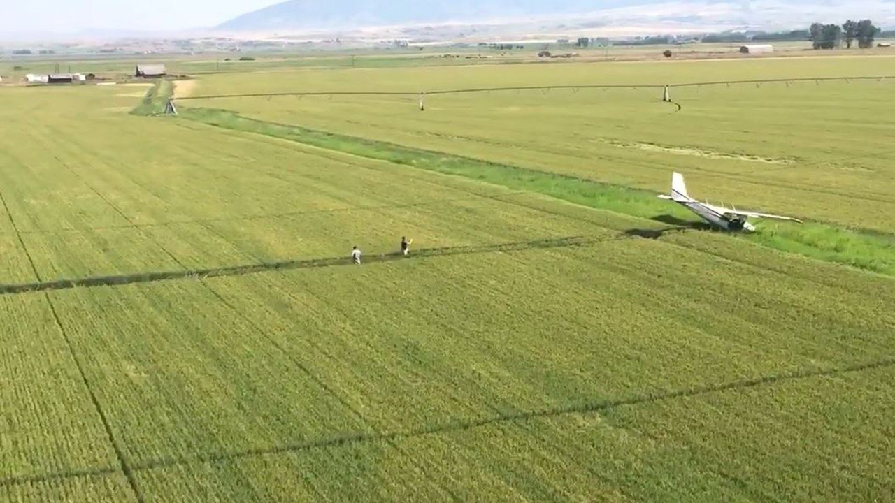 Pilot crash-lands plane in southwestern Montana field. (21 July 2017) [Source: Mark Taylor, Rocky Mountain Rotors]