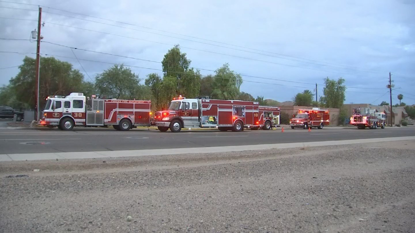 A small vacant house caught fire in Phoenix early Monday morning, according to Phoenix fire. (Source: 3TV/CBS 5)
