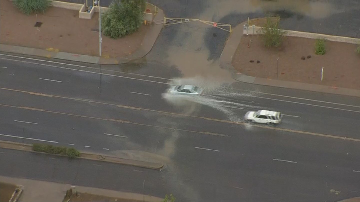 Rain from the monsoon storms has plagued much of Phoenix's Monday morning commute causing traffic backup. (Source: 3TV/CBS 5)