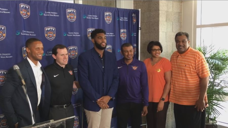 Valley native Alan Williams signs at three year extension with the Phoenix Suns. (Source: 3TV/CBS 5)