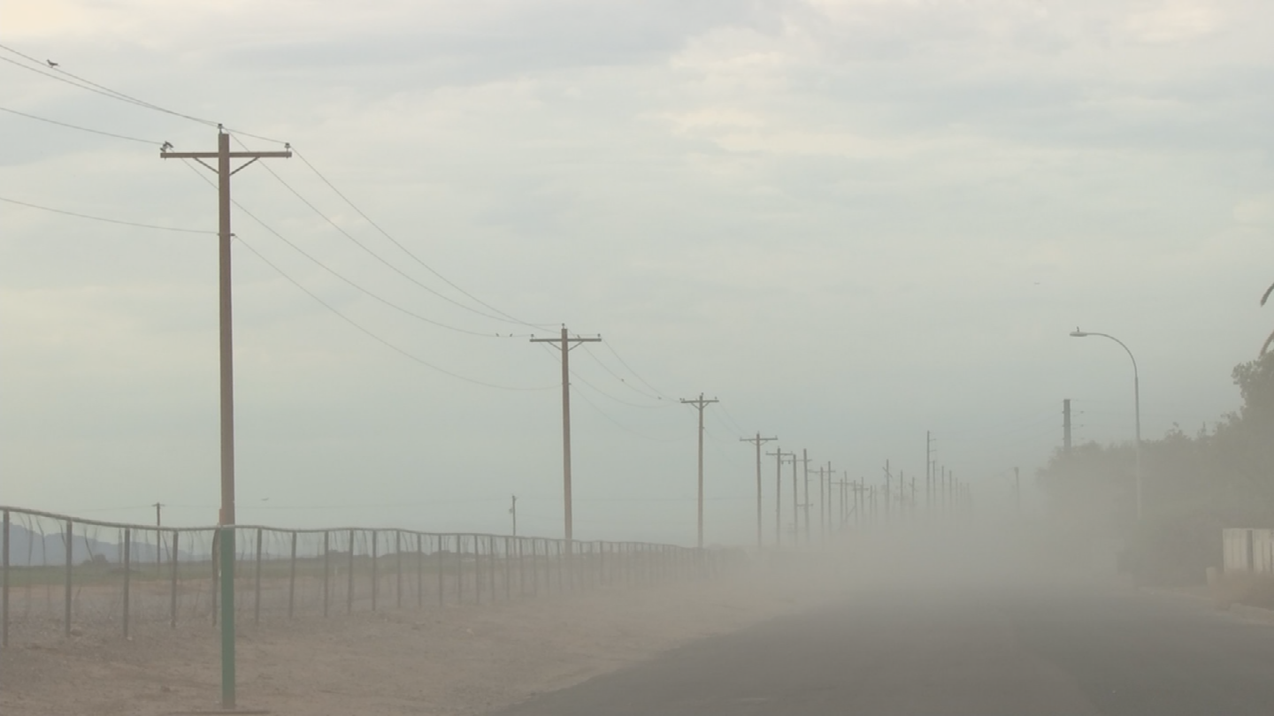 Old Price Road, located near the community of Sun Lakes, has seen increased traffic over the past few years and it's creating massive dust clouds that hover over homes. (Source: 3TV/CBS 5)