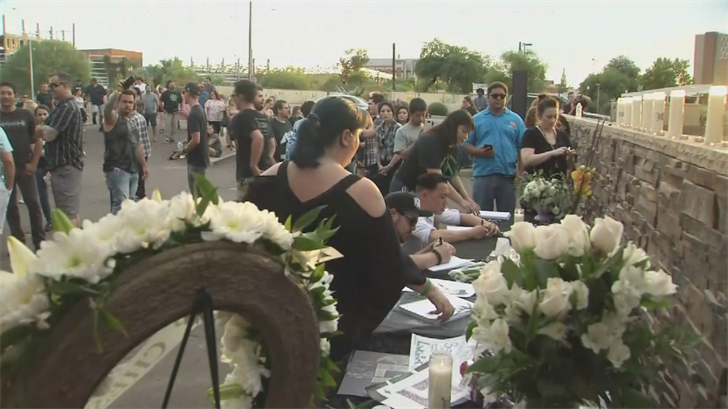 Hundreds of fans paid their respects to Linkin Park's Chester Bennington at Club Tattoo in Tempe. (Source: 3TV/CBS 5)