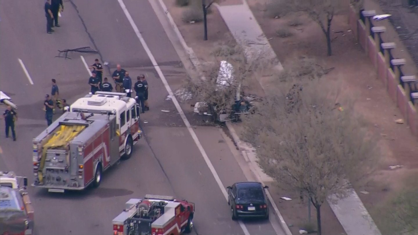 Small plane crashes near Deer Valley Airport (Source: 3TV/CBS 5)