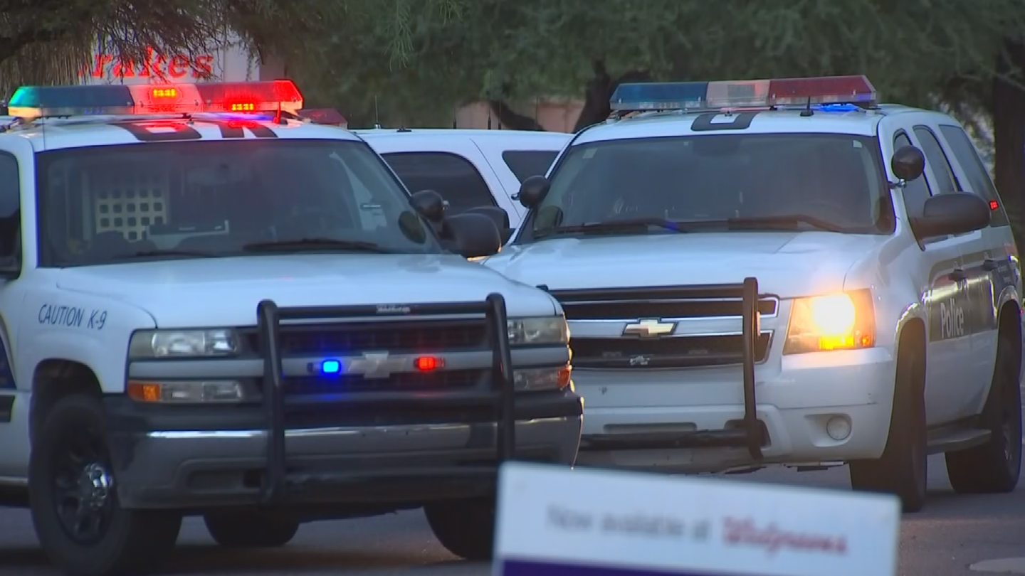"""""""At this point it seems to be a case of a good Samaritan in the right place at the right time,"""" said Phoenix police Sgt. Jonathan Howard. (Source: 3TV/CBS 5)"""