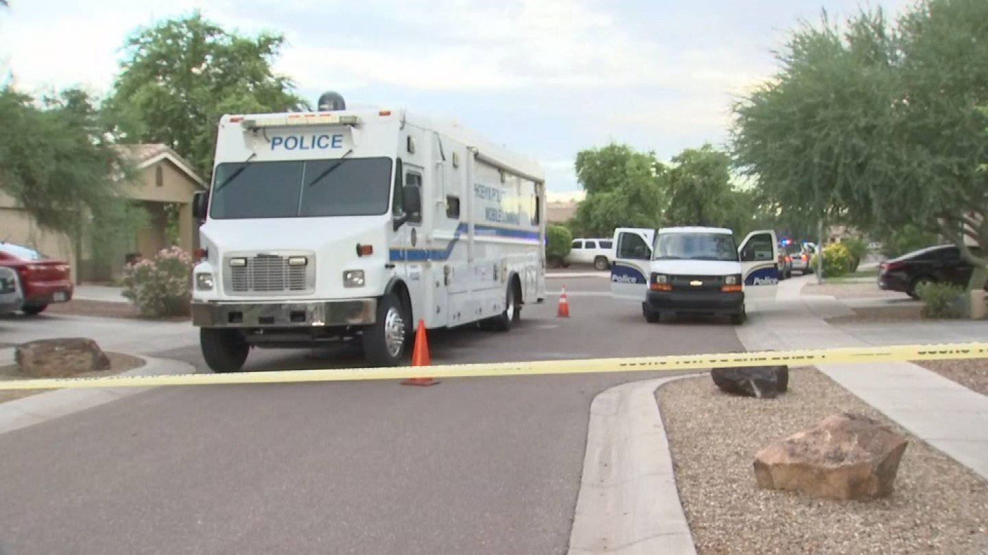 Police were investigating a deadly shooting in Tolleson on Wednesday morning. (Source: 3TV/CBS 5)