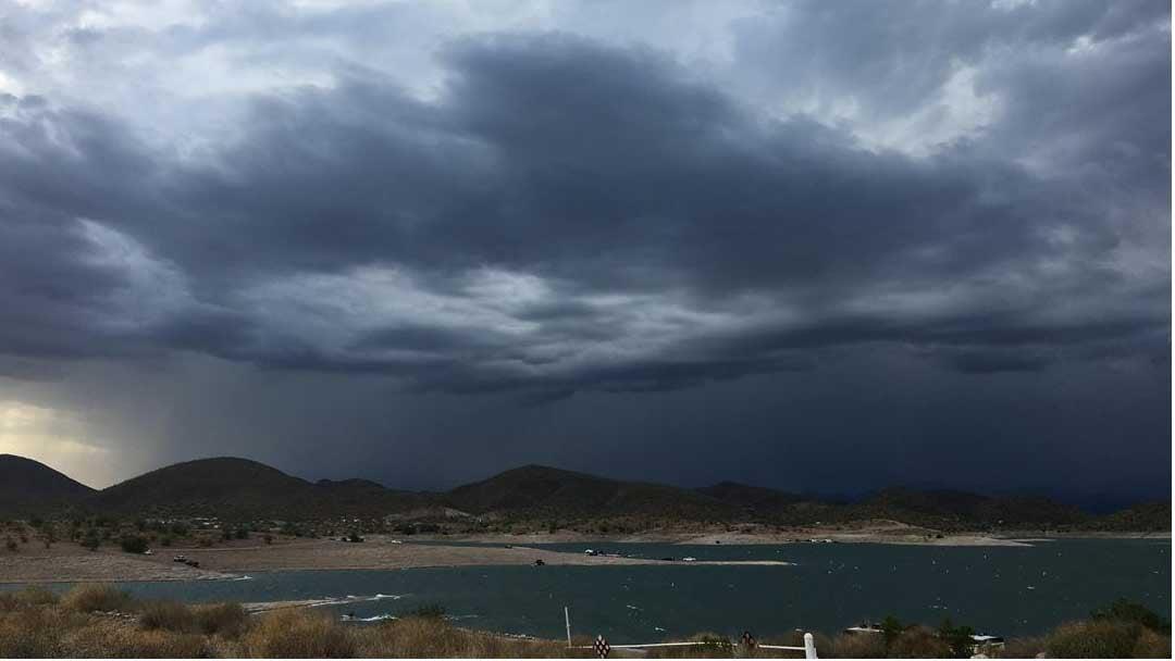 Storm tracking into Lake Pleasant on July 28, 2017. (Source: Kim Quintero, 3TV/CBS 5)
