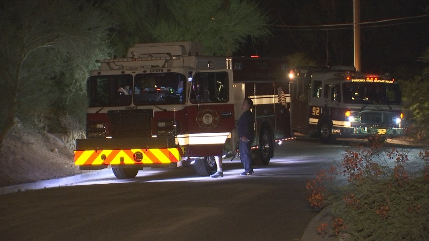 Phoenix fire rescued a man off Camelback Mountain Tuesday morning after he had trouble finding his way down the mountain after dark. (Source; 3TV/CBS 5)