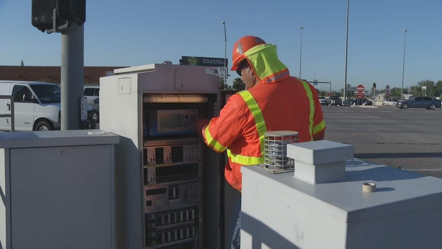 Teams checked control cabinets at I-17 and Northern Avenue. (Source: 3TV/CBS 5)