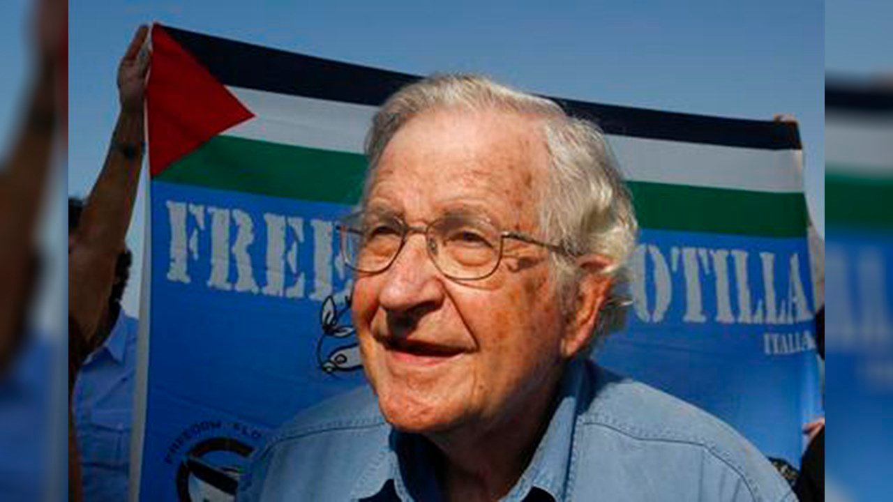 FILE - In this Oct. 20, 2012, file photo. Jewish-American scholar and activist Noam Chomsky stands during a press conference to support the Gaza-bound flotilla in the port of Gaza City. (Source: AP Photo/Hatem Moussa, File)