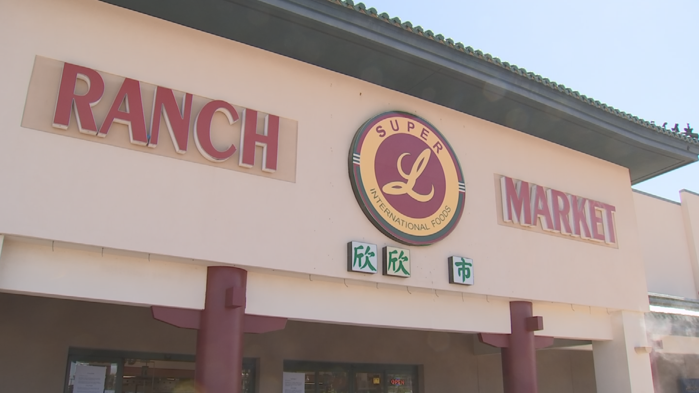 he owner of the Super Ranch Market said it is closing on Saturday, August 26, and moving to the southwest corner of Thomas and Hayden roads in Scottsdale. (Source: 3TV/CBS 5)