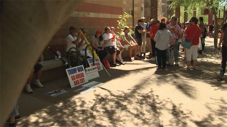 Supporters lined up outside the Phoenix Convention Center ahead of the Trump rally. (Source: 3TV/CBS 5)