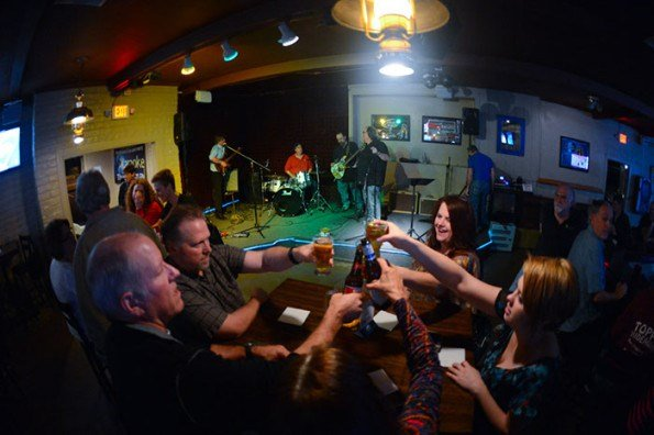 Patrons of the El Dorado Bar & Grill - Toast! (Source: 3TV/CBS 5 News)