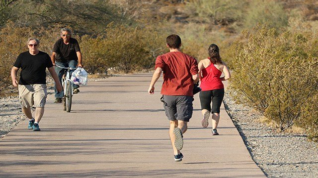 Training in the intensive heat can have its advantages. (Source: Alexis Ramanjulu/Cronkite News)