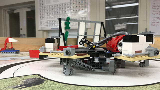 STEM education starts at the youngest grade levels in Holbrook with programmable, robotic Legos. (Source: Madison Conner/Cronkite News)