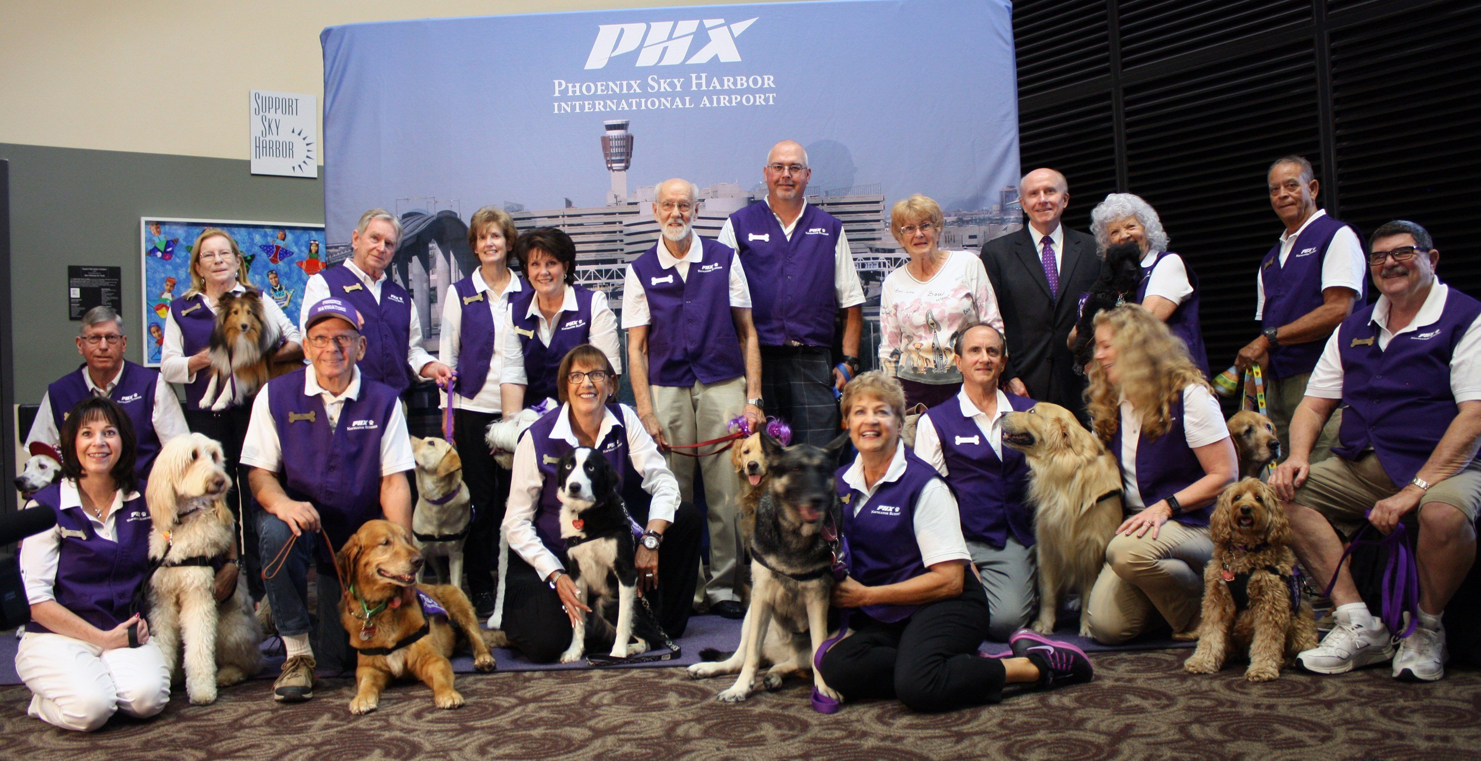 Councilwoman Thelda Williams and Director of Aviation Services Jim Bennett with the Navigator Buddies. (Source: City of Phoenix)