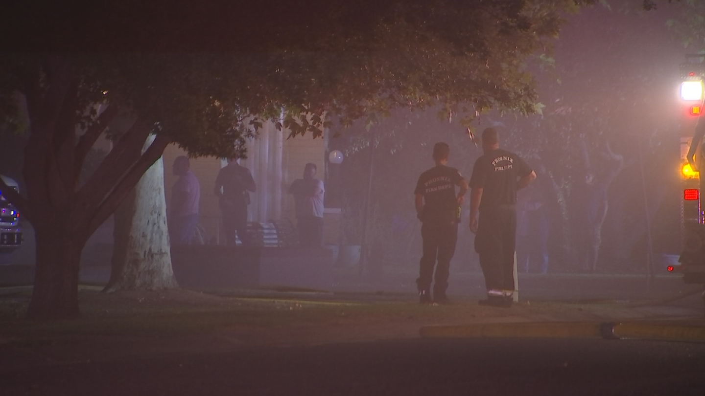 Smoke filled the neighborhood near Seventh Avenue and Bethany Home Road. (Source: 3TV/CBS 5)