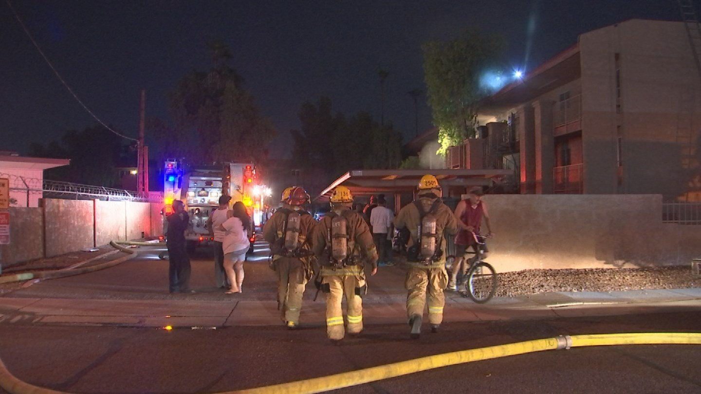 A first-alarm apartment fire has displaced several people in Phoenix. (Source: 3TV/CBS 5)