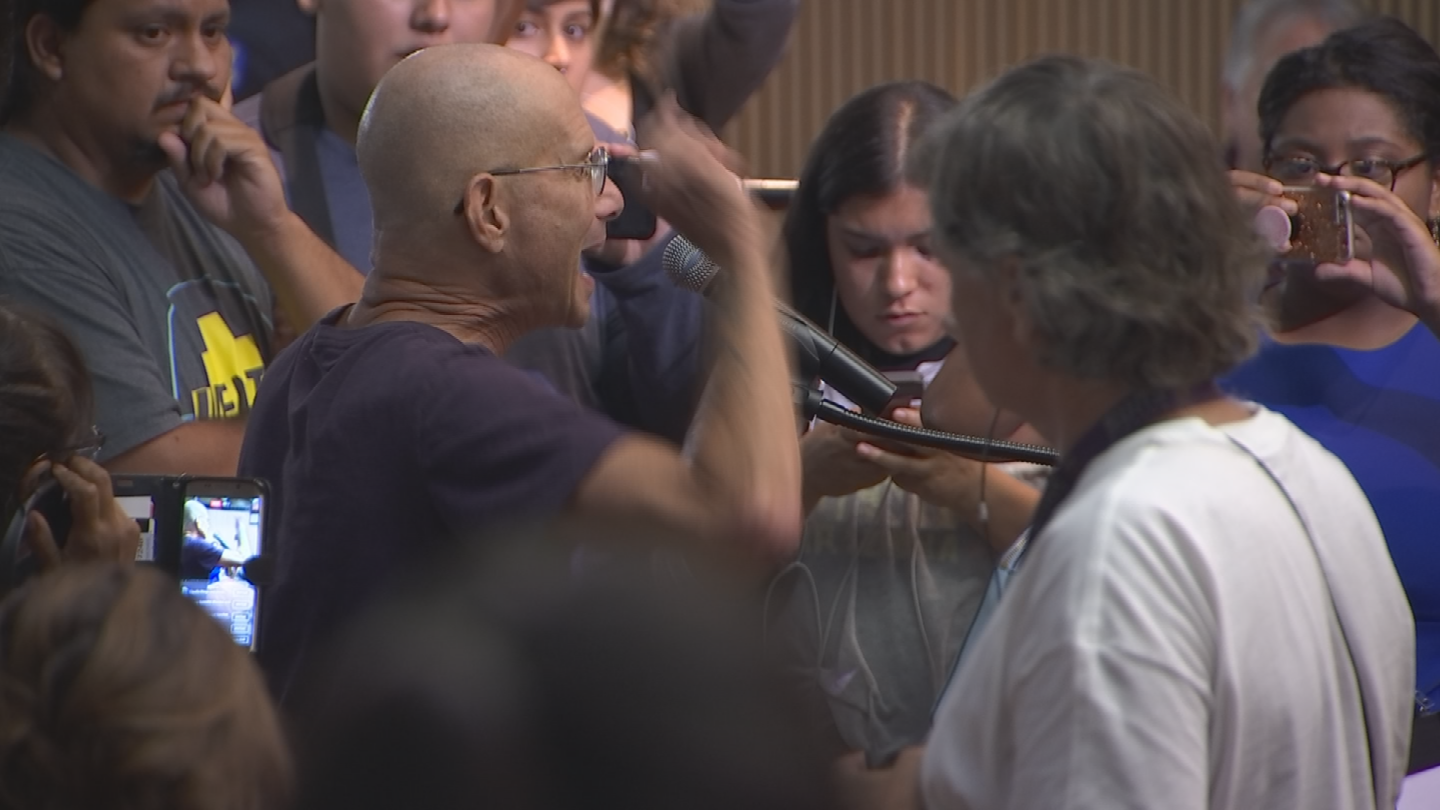 The tone at Tuesday's meeting was drastically different from last week's raucous City Council meeting. (Source: 3TV/CBS 5)