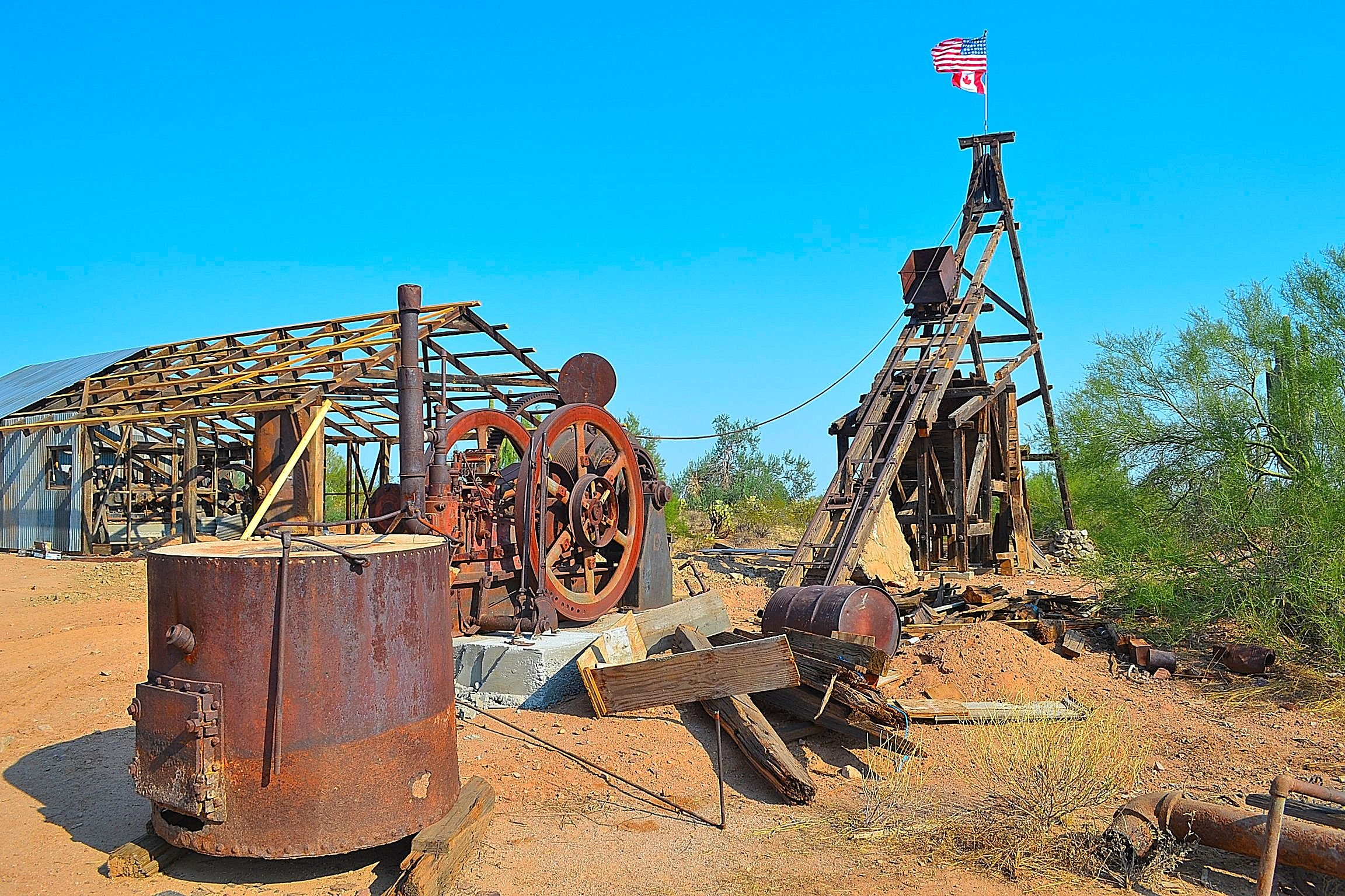Vulture Mine equipment left behind. (Source: Eric Zotcavage)