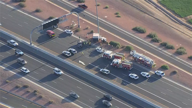 Crews had to shut down the southbound side of the freeway. (Source: 3TV/CBS 5)