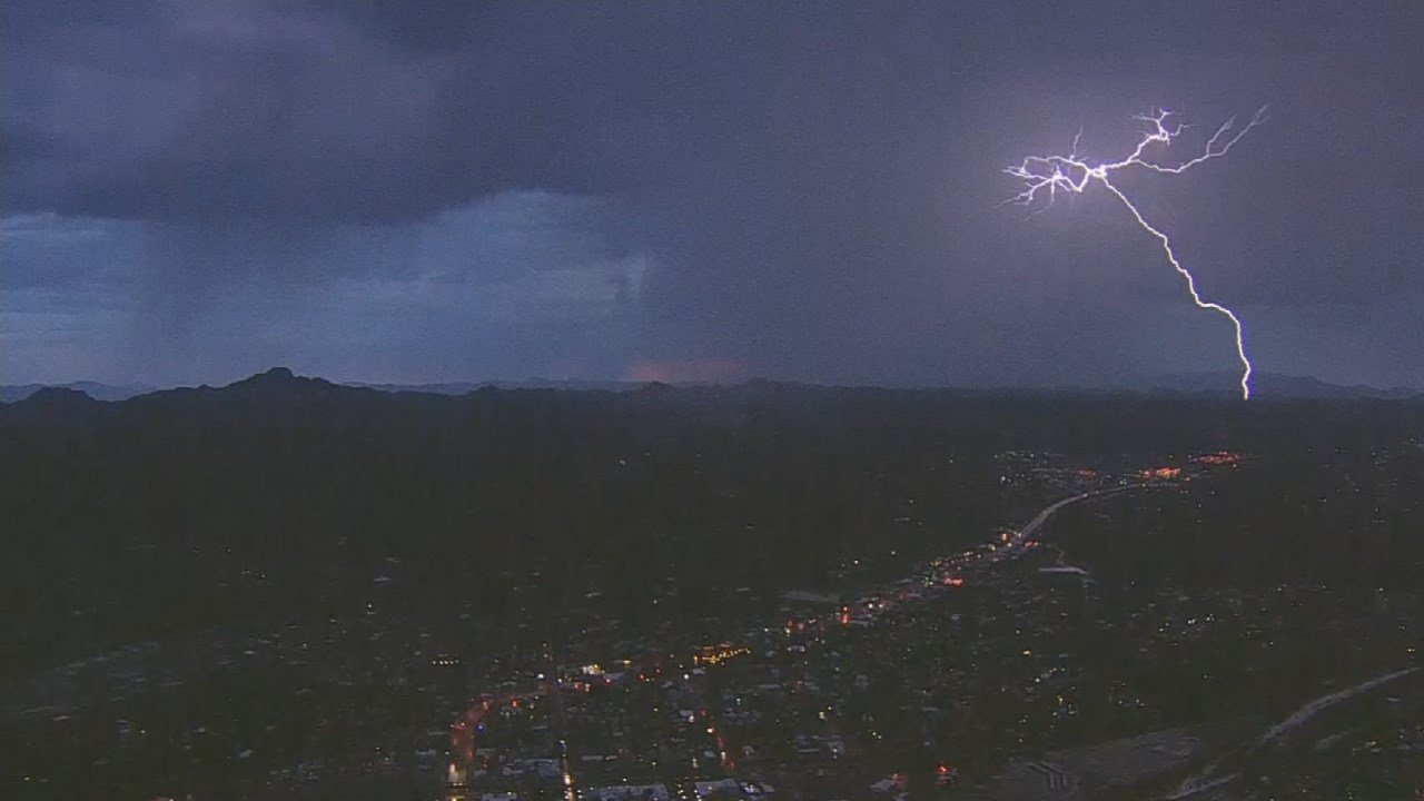 Winter is a time when the Valley can get some rain, too. (Source: 3TV/CBS 5)