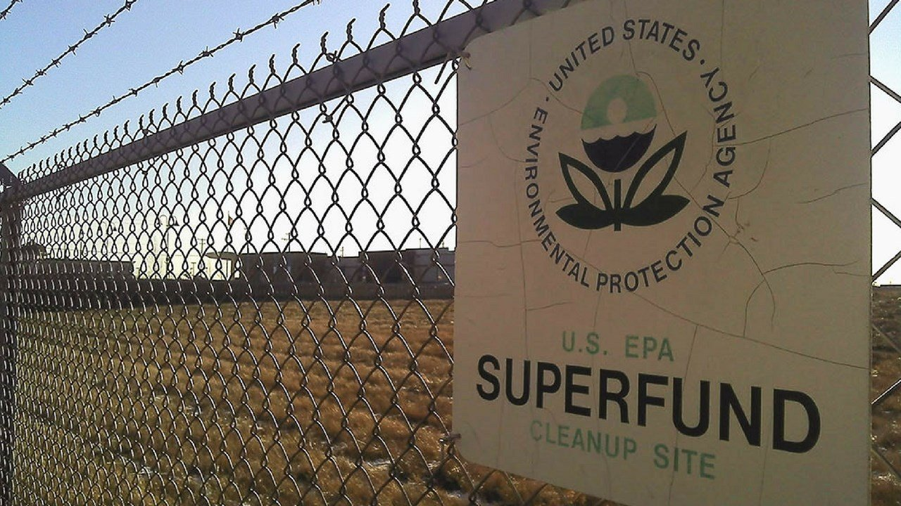 Arizona has nine Superfund sites, but advocates worry that cleanup could lag under a proposed fiscal 2018 budget for the Environmental Protection Agency that would cut the Superfund budget by a third.(Source: markzvo/Creative Commons)