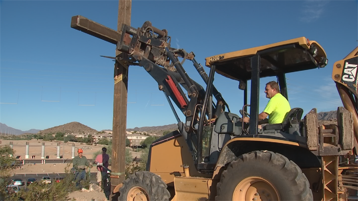 A cross in Awhatukee was moved 3 miles because of freeway construction. (Source: 3TV/CBS 5)