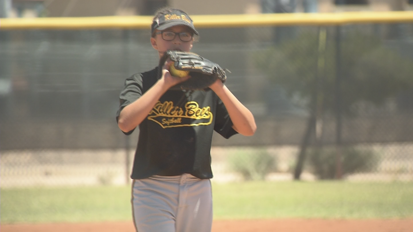 Young Cian Noli is looking to be a better softball pitcher than her sister. (Source: 3TV/CBS 5)